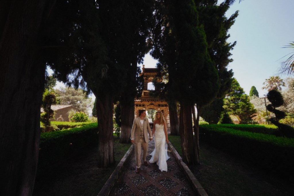 wedding in pubblic garden in taormina photography by Fabio Grasso