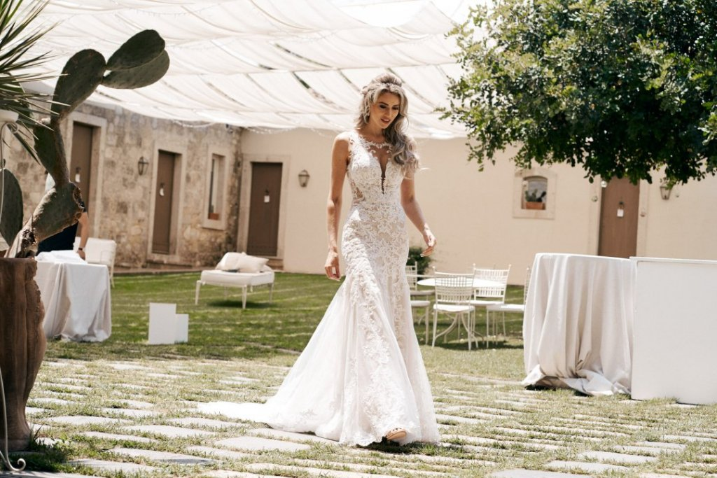 bride is meeting groom in sicily destination wedding
