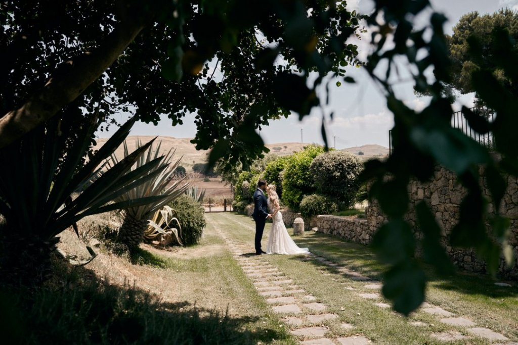 wedding in sicily at castello camemi