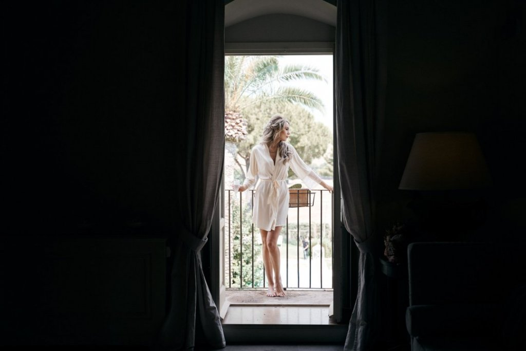 bride is waiting in sicily