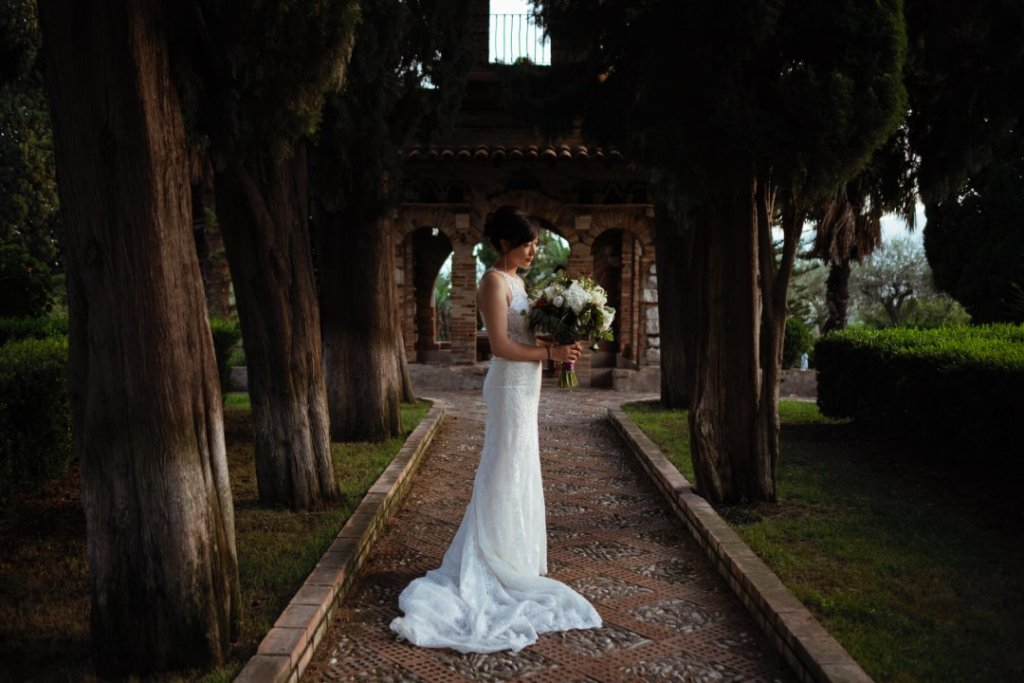 lovely japanese bride in sicily getting married in taormina