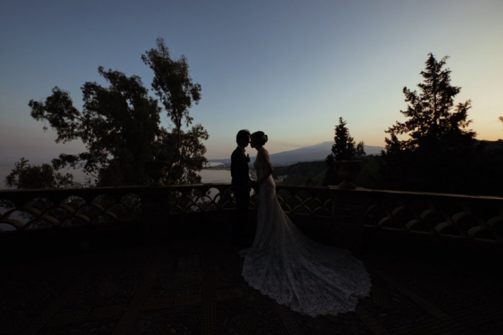 intimate sunset wedding in sicily etna