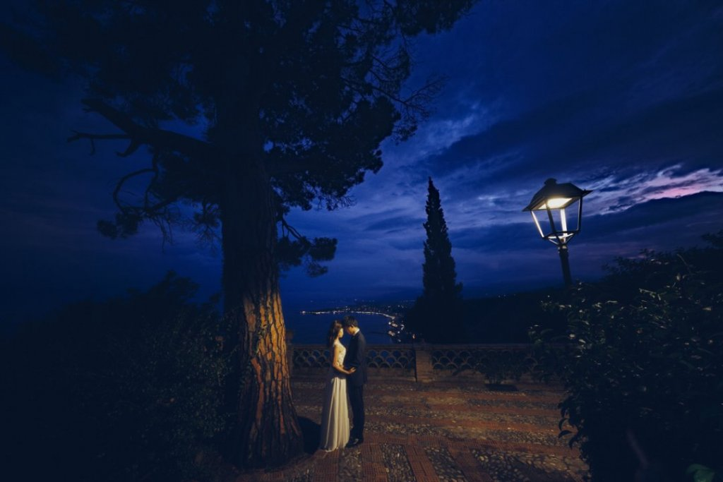 night wedding honeymoon japanese taormina sicily